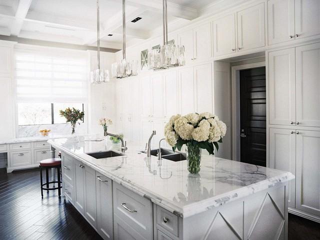 Muốn nhà bếp vừa đẹp vừa sang thì chọn ngay chất liệu đá cẩm thạch - Ảnh 4.