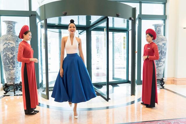Hoa hậu H'Hen Niê thừa nhận từng chăm chỉ 'săn' hàng thùng vì nghĩ rằng độc và lạ - Ảnh 6.