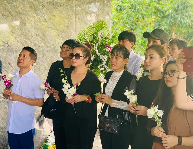 Thành Giao là ai mà Hoài Linh, Minh Nhí và dàn sao Việt tiếc thương? - Ảnh 3.