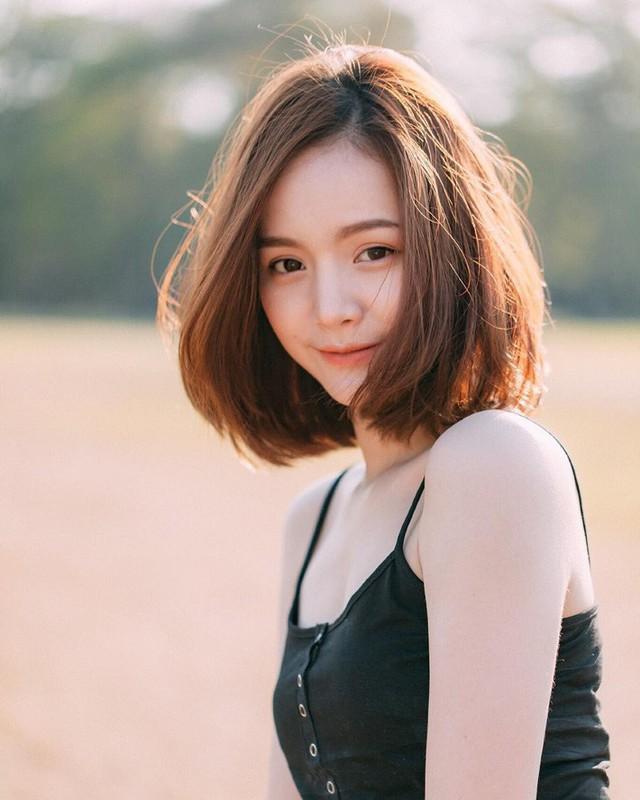 Chẳng cần tác động dao kéo, chỉ vài kiểu tóc đơn giản cũng có thể giấu nhẹm nhược điểm nọng cằm - Ảnh 8.