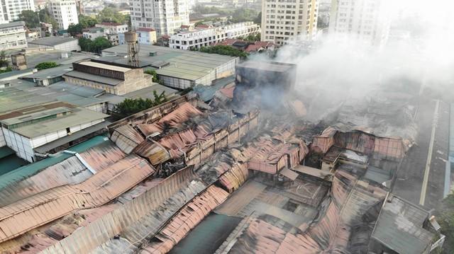 Sau vụ cháy NM Rạng Đông: Không sử dụng thực phẩm nuôi, trồng bán kính 1km trong 21 ngày - Ảnh 2.