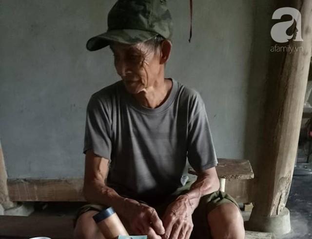 Đằng sau bức ảnh bé trai 13 tuổi trần truồng, bị ông nội cột dây, nhốt trong chuồng là một câu chuyện đầy thương cảm - Ảnh 4.