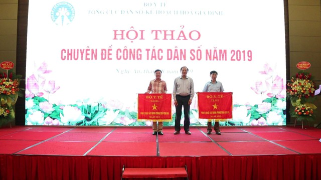 Tỷ số giới tính khi sinh ở Việt Nam năm 2019 ước tính là 114,1 bé trai/100 bé gái - Ảnh 4.