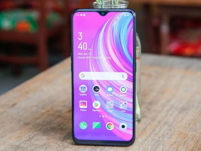 8 smartphone sạc nhanh giá dưới 7 triệu đồng - Ảnh 6.