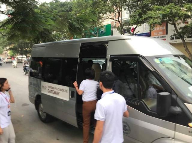 Bé lớp 1 tử vong vì bị bỏ quên trên xe đưa đón: Giật mình mối liên kết giữa phụ huynh và nhà trường - Ảnh 5.