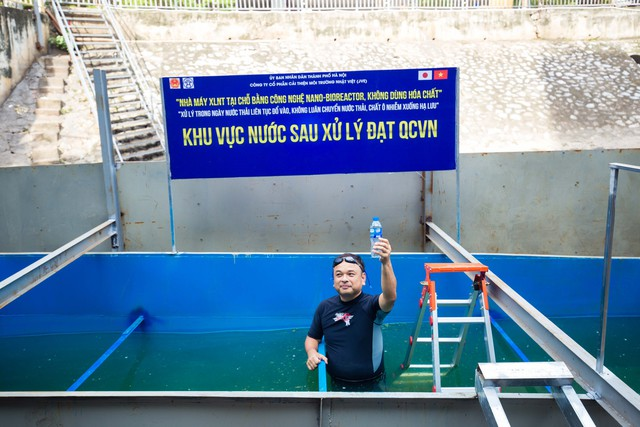 Chuyên gia Nhật Bản rửa mặt, tắm gội giữa sông Tô Lịch - Ảnh 3.
