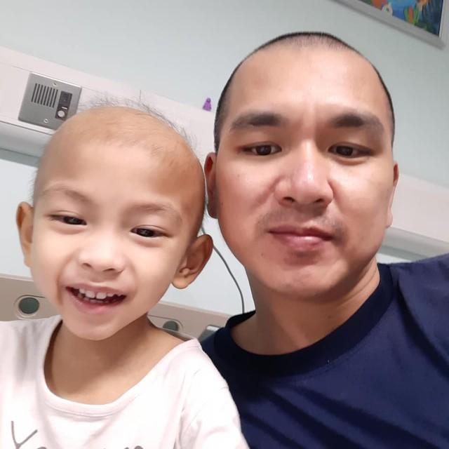 Nước mắt của người cha có con 4 tuổi bị ung thư nguyên bào thần kinh - Ảnh 4.