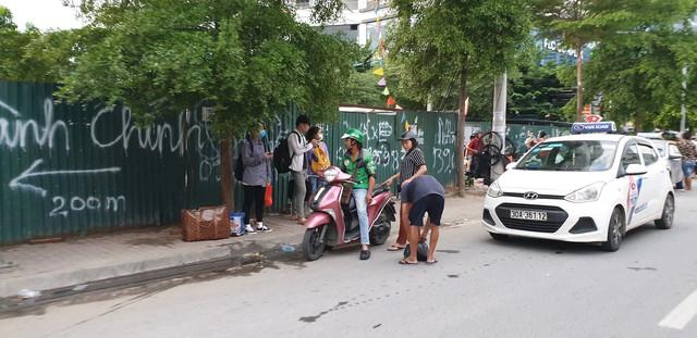 Dòng người tay xách, nách mang trở lại Hà Nội sau kỳ nghỉ Quốc khánh 2/9 - Ảnh 16.