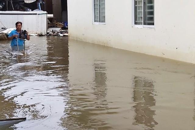 Thầy giáo tố bị dọa chém sau khi viết báo về việc ngập nước ở Phú Quốc - Ảnh 2.