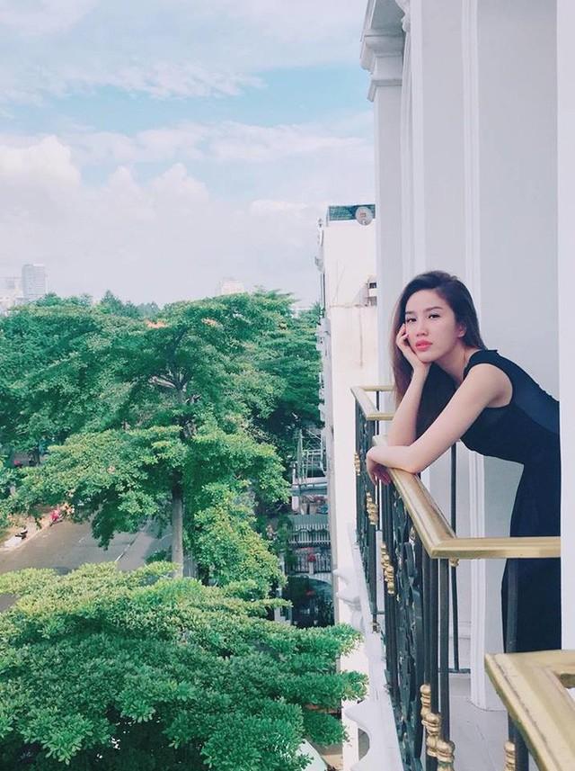 Bảo Thy sống như công chúa sang chảnh trong căn biệt thự cao 8 tầng, nhìn vào bên trong nội thất đẹp đến hoa mắt - Ảnh 2.