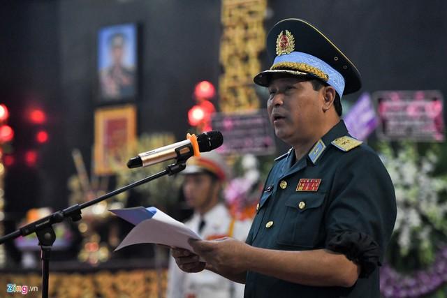Xúc động tiễn đưa anh hùng phi công Nguyễn Văn Bảy về quê nhà - Ảnh 5.