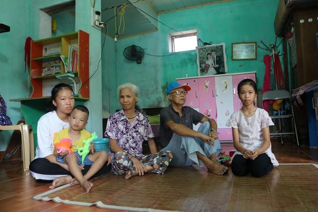Xót thương gia cảnh ông bà nội ngoài 70 tuổi nuôi 4 cháu mồ côi ở Kiến Thụy (Hải Phòng) - Ảnh 1.