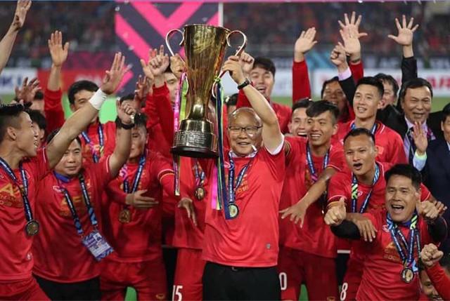 Bố mẹ tuyển thủ Việt Nam nói gì trước trận gặp Thái Lan? - Ảnh 1.