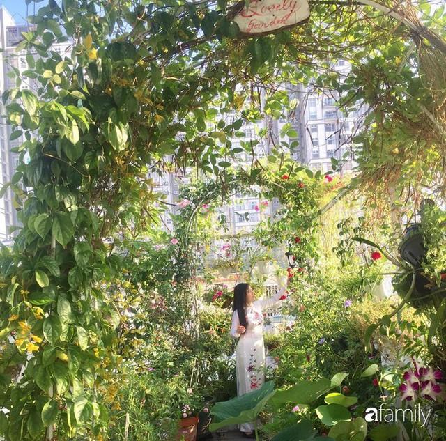 Khu vườn 30m² muôn hoa đua nở trên sân thượng của mẹ đảm thích mộng mơ ở TP. HCM - Ảnh 6.