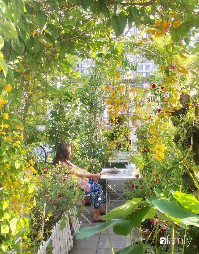 Khu vườn 30m² muôn hoa đua nở trên sân thượng của mẹ đảm thích mộng mơ ở TP. HCM - Ảnh 9.