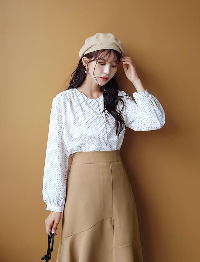 Đây chính là mẫu áo hot hit bạn cần sắm nhất thu này vì mặc kiểu gì cũng đẹp và sang hết nấc - Ảnh 10.