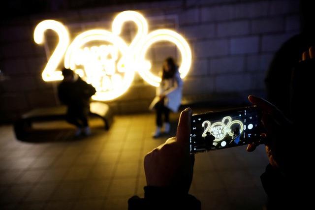 Thế giới bước sang năm mới 2020 trong pháo hoa và cháy rừng - Ảnh 53.