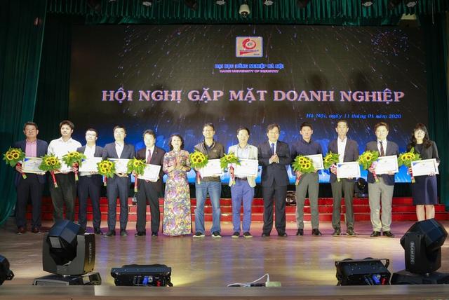 Đại học Công nghiệp Hà Nội tổ chức Hội nghị tổng kết và gặp mặt hơn 100 doanh nghiệp - Ảnh 8.
