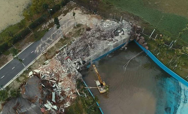 Công viên nước lớn nhất Hà Nội, từng xảy ra 2 vụ chết đuối bất ngờ bị tháo dỡ toàn bộ - Ảnh 2.