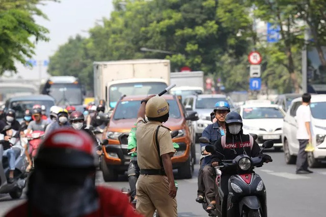 Cửa ngõ sân bay Tân Sơn Nhất kẹt xe kinh hoàng ngày giáp Tết - Ảnh 17.