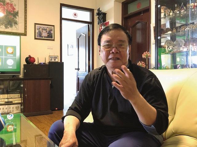 Gặp ca sĩ đẹp trai như Chánh Tín, từng nổi tiếng nhờ hát nhạc Phạm Tuyên - Ảnh 1.