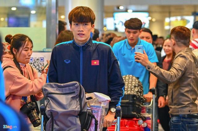 U23 Việt Nam được người hâm mộ chào đón sau thất bại - Ảnh 4.