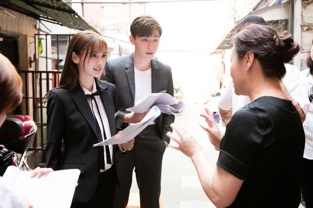 Angelababy có tay trắng sau ồn ào ly hôn Huỳnh Hiểu Minh? - Ảnh 4.