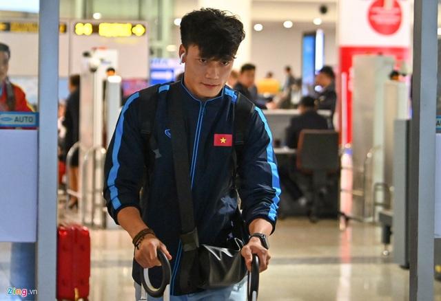 U23 Việt Nam được người hâm mộ chào đón sau thất bại - Ảnh 6.