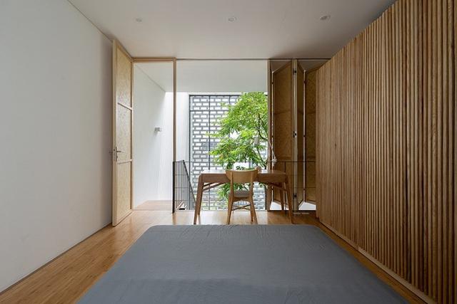 Ngôi nhà với thiết kế 2 lớp mặt tiền chống khói bụi ở Hà Nội - Ảnh 11.