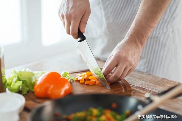 3 loại thức ăn thừa cần vứt bỏ, ngay cả bỏ tủ lạnh hay hâm nóng cũng vẫn gây bệnh - Ảnh 2.
