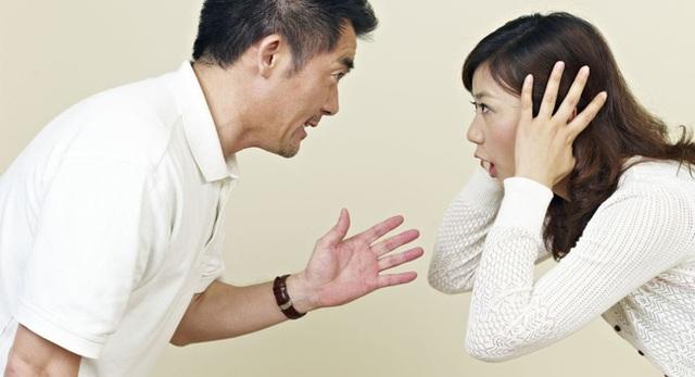 Những dấu hiệu rất đơn giản của đàn ông mà phụ nữ phải nghĩ đến việc chia tay ngay tức khắc! - Ảnh 2.