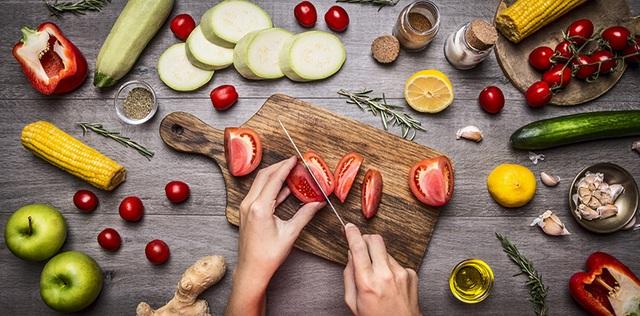 21 mẹo vặt nấu ăn ngon từ đầu bếp, nên biết để áp dụng - Ảnh 1.