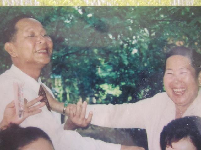 Chuyện hậu cung ít biết của tướng Nguyễn Việt Thành (cuối): Nguy hiểm rình rập vợ con khi đánh án Năm Cam - Ảnh 4.