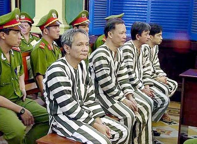 Chuyện hậu cung ít biết của tướng Nguyễn Việt Thành (cuối): Nguy hiểm rình rập vợ con khi đánh án Năm Cam - Ảnh 5.