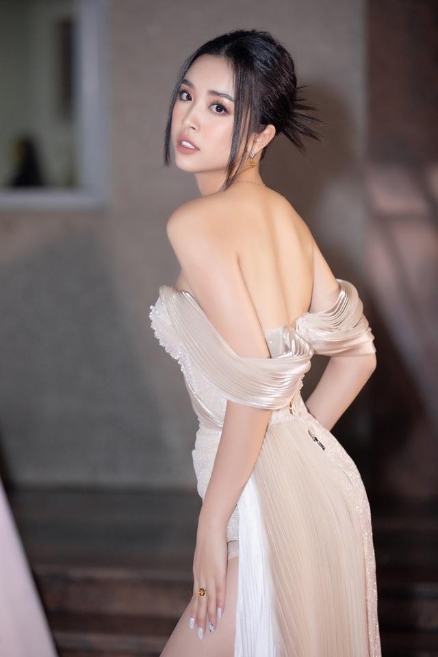 Mỹ nhân nào xuất hiện thảm đỏ Bán kết Hoa hậu Việt Nam 2020? - Ảnh 5.