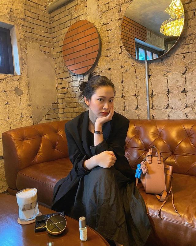 Cùng là đi cafe: Sao Hàn nhẹ nhàng giản dị, sao Việt lại lồng lộn như trẩy hội - Ảnh 15.