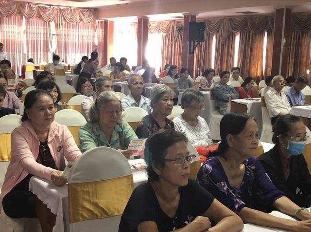 Tọa đàm chia sẻ kinh nghiệm chăm sóc sức khỏe người cao tuổi tại Vĩnh Long - Ảnh 4.