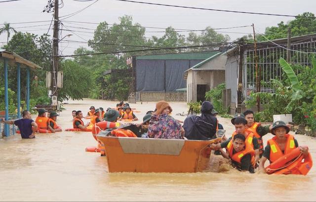 Bộ Y tế gửi công điện triển khai công tác y tế ứng phó mưa bão ở miền Trung - Ảnh 2.