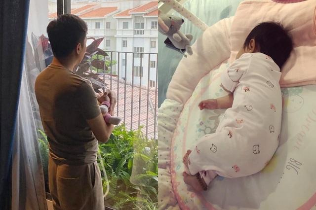 Cuộc sống bỉm sữa của vợ chồng Đàm Thu Trang - Ảnh 4.
