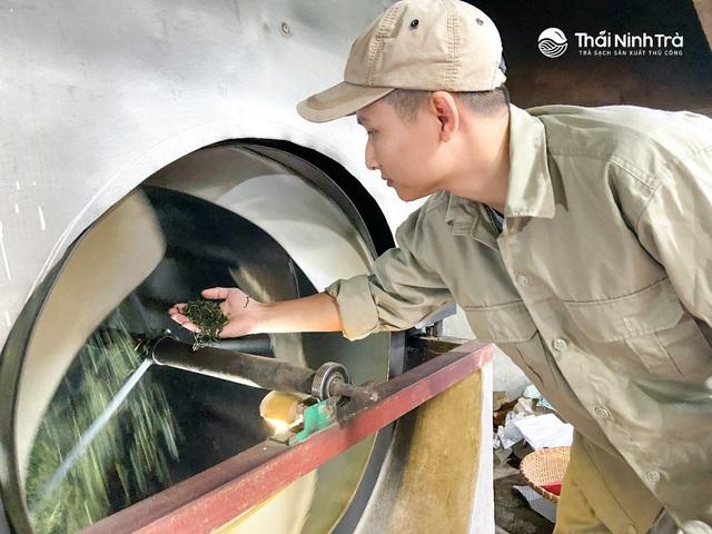 Chàng kỹ sư công nghệ khai sinh một thương hiệu trà sạch sản xuất thủ công - Ảnh 4.