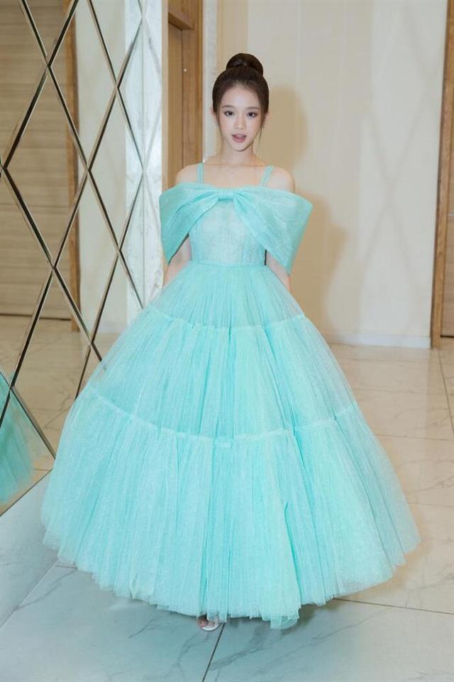 Hà Tăng diện váy basic vẫn cân đẹp dàn sao hóa nữ thần, công chúa - Ảnh 4.