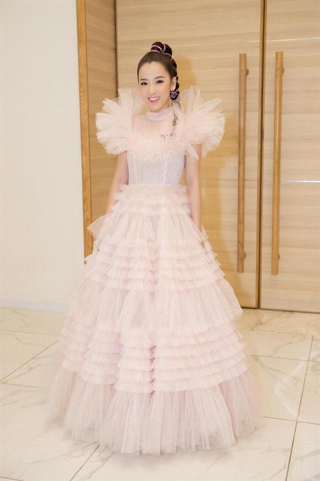 Hà Tăng diện váy basic vẫn cân đẹp dàn sao hóa nữ thần, công chúa - Ảnh 8.