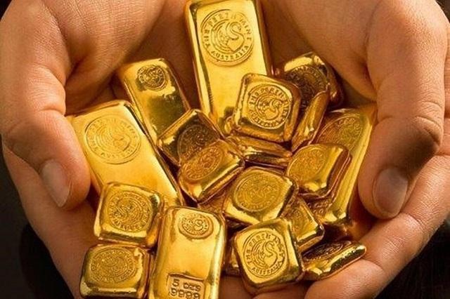 Có 10 lượng vàng, quyết không bán mà vẫn bỏ tiền gom thêm - Ảnh 2.