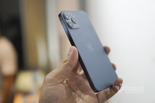 Trên tay iPhone 12 Pro tại Việt Nam: Bản màu xanh tuyệt đẹp - Ảnh 4.