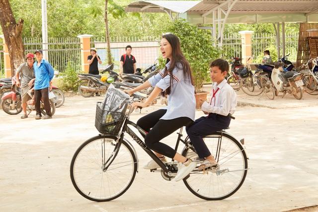 Hoa hậu hoàn vũ Việt Nam chung tay hỗ trợ cộng đồng, khắc phục thiên tai bão lũ - Ảnh 6.