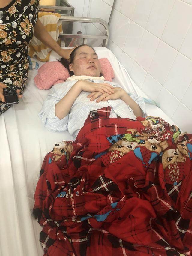 Tình cảnh khốn cùng của gia đình hai con nguy kịch khi mắc bệnh lupus ban đỏ - Ảnh 2.