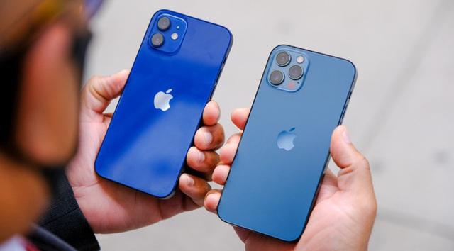 Loạt smartphone màu xanh dương giống iPhone 12 nhưng giá bằng một nửa - Ảnh 1.