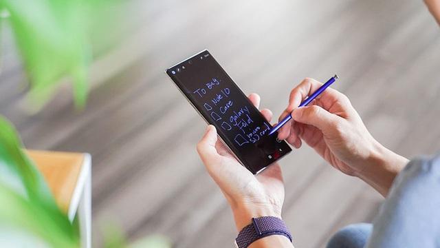 Loạt smartphone màu xanh dương giống iPhone 12 nhưng giá bằng một nửa - Ảnh 3.