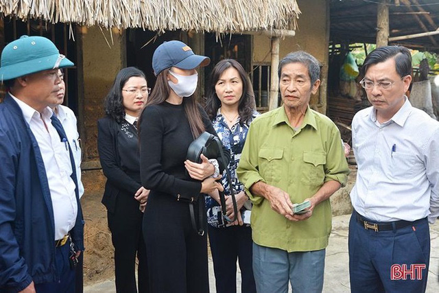 Tranh cãi số tiền 200 triệu được Thuỷ Tiên cho ông cụ trả nợ ngân hàng - Ảnh 3.
