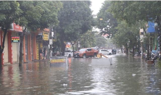 Mưa lớn do bão số 9, Hà Tĩnh ngập trở lại - Ảnh 2.